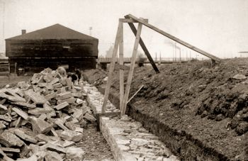 Fort York rampart reconstruction in 1932. The Friends of Fort York.